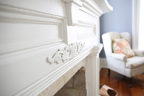 closeup of fireplace details in Bryn Oaks living room